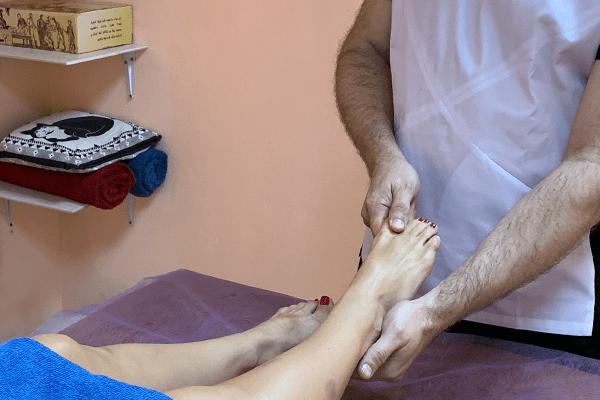 Массаж рук и ног